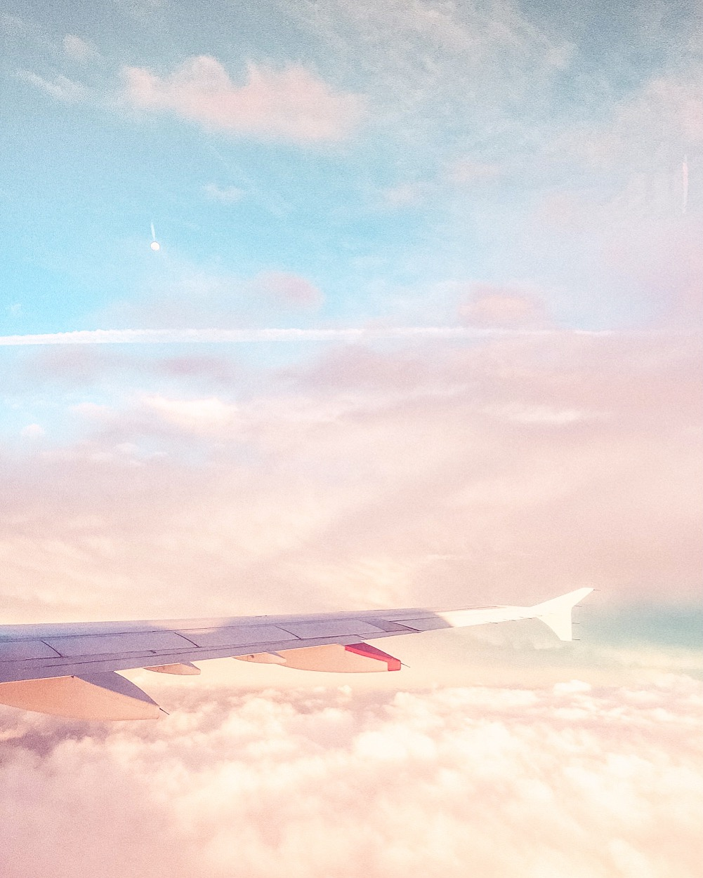 This Airline Will Pay You and your BFF to Travel The World!